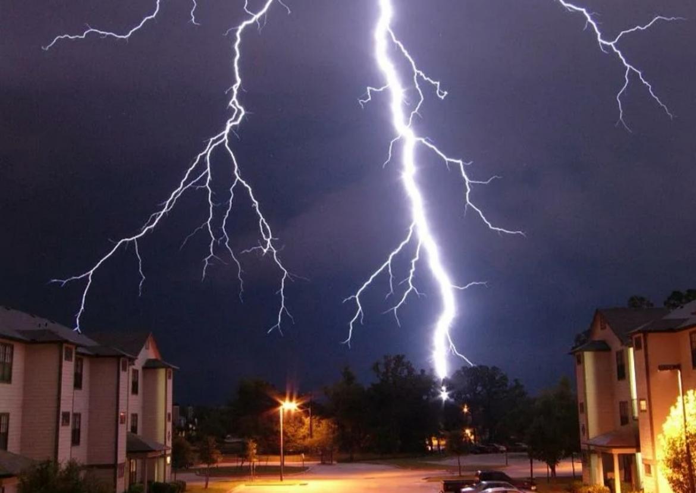 Молния в Дагестане стала причиной гибели девушки